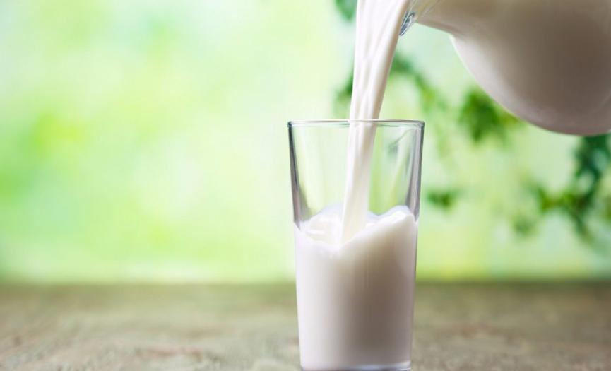 """El debate sobre los lácteos: ¿Las bebidas sin lactosa deberían etiquetarse como """"leche""""?"""