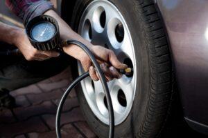 Un turista responsable respetará siempre las leyes de tránsito, chequeará los neumáticos de su vehículo para garantizar la integridad de sus acompañantes.
