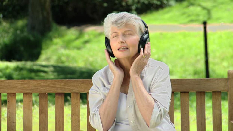 Los beneficios de la música en la tercera edad